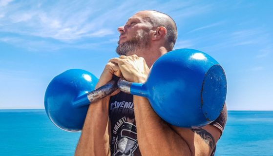 Trening siłowy bez sprzętu